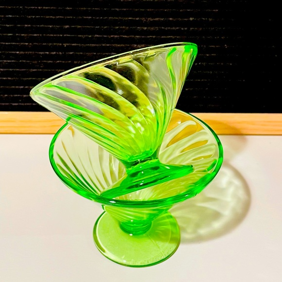 Vintage Federal Glass Diana Swirl Sherbet Dishes❤️